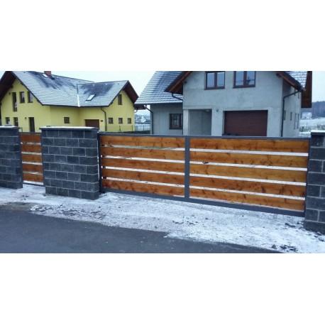 Posuvná brána výpln dřevo