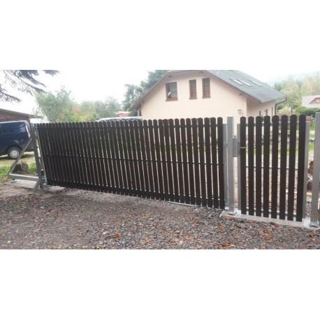 Posuvná brána plastové plotovky