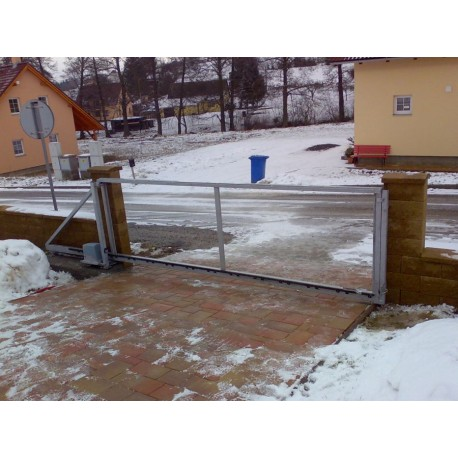 Pojezdová brána samonosná povrchová úprava žárové zinkování průjezd 200 -450 cm